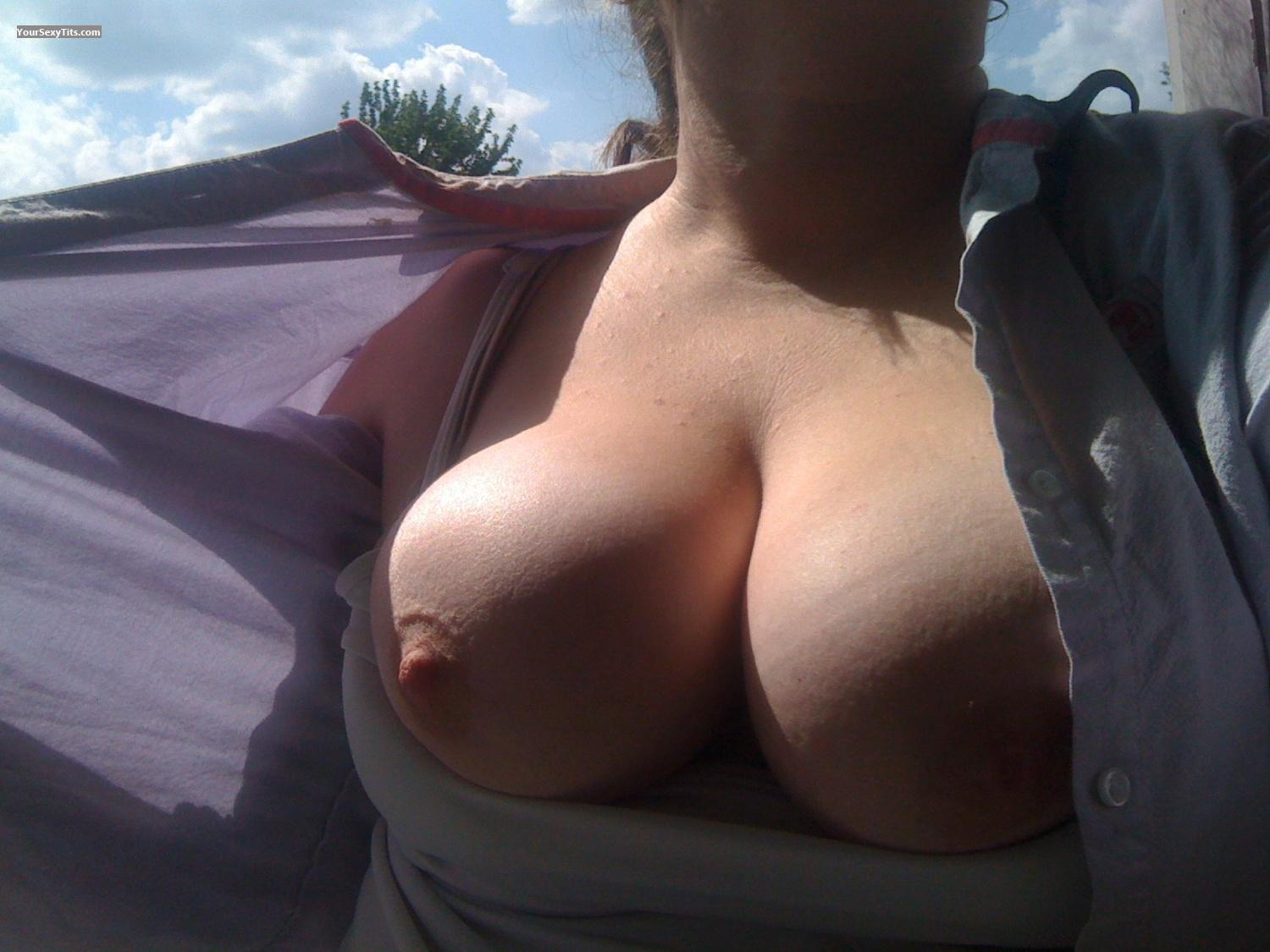 Tit Flash: Very Big Tits By IPhone - Lovemydd from United States